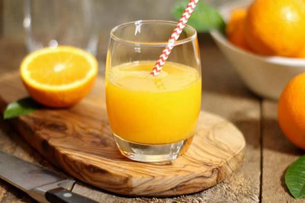 Me-nen-su-dung-them-thuc-pham-chua-vitamin-c